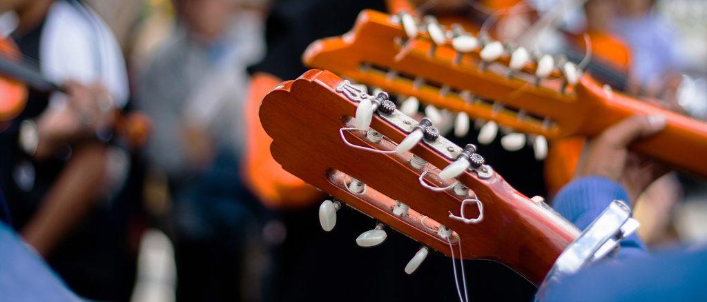 gitaarsnaren vervangen - Online Gitaar Academie